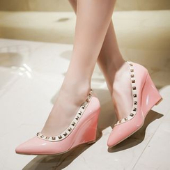 TULASI - Studded Pointy Wedges