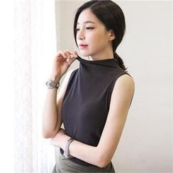 TISVIN - Mock-Neck Sleeveless Shirred Top