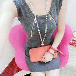 Coralie - Sleeveless Knit Sheath Dress