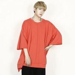 Rememberclick - Oversized Short-Sleeve T-Shirt
