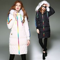 Queen Mulock - Furry-Trim Hooded Contrast-Stripe Down Coat