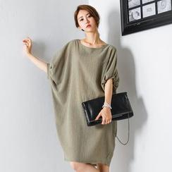 FASHION DIVA - Oversized Puff-Sleeve Dress