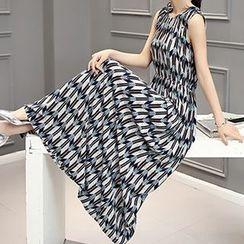 Romantica - Sleeveless Patterned Dress