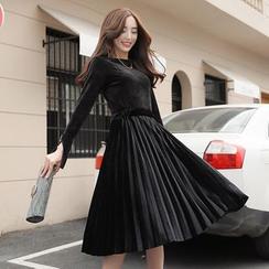 Romantica - 套裝: 絨面上衣 + 多褶A字裙