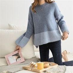 PEPER - Drop-Shoulder Color-Block Knit Top