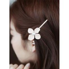 kitsch island - Faux-Pearl Flower Hair Pin