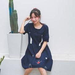 Moricode - Rabbit Short-Sleeve Dress