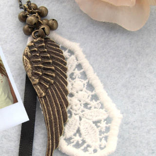 Vintage Feather Lace Necklace