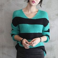 Isadora - Striped V-Neck Sweater