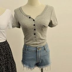 MISS LUCY - Short-Sleeve V-Neck T-Shirt