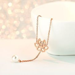LoveGem - 18K Gold Floral Faux Pearl Necklace