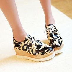 Pangmama - Printed Lace-Up Wedges