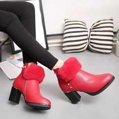 Yoflap - Block Heel Fluffy Ankle Boots