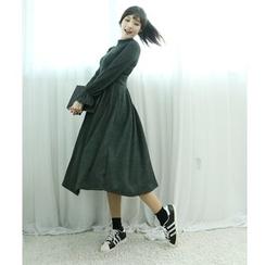 Dodostyle - Mock-Neck A-Line Ribbed Knit Dress