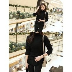 hellopeco - Turtle-Neck Long-Sleeve Top