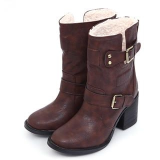 Fleeced-Line Buckled Strap Boots
