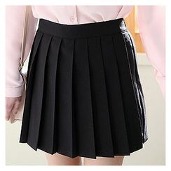 Sechuna - Inset Shorts Pleated-Front Skirt