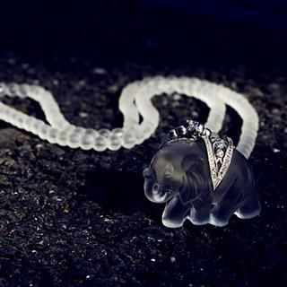 Gossip Girl - Rhinestone Elephant Necklace
