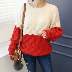 DANI LOVE - Two-Tone Cable-Knit Sweater