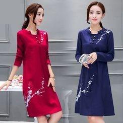 Diosa - Long-Sleeve Embroidered Linen Dress
