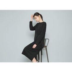 Envy Look - Buckled-Waist Long T-Shirt Dress