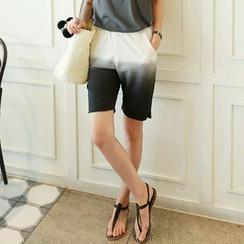 CLICK - Banded-Waist Gradient Shorts