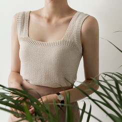 UPTOWNHOLIC - Sleeveless Knit Top