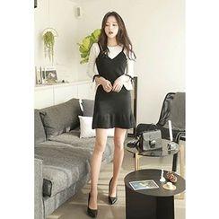 MyFiona - Beribboned-Sleeve Contrast-Trim Knit Dress