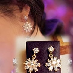 HayHill - Rhinestone Snowflake Stud Earrings / Clip-On Earrings