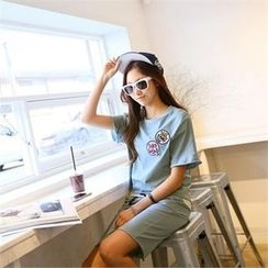 PIPPIN - Set: Embroidered T-Shirt + Mini Skirt