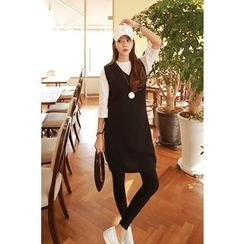 Momnuri - Maternity V-Neck Sleeveless Knit Dress