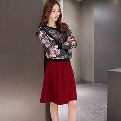 Romantica - Set: Printed Pullover + Plain A-Line Skirt