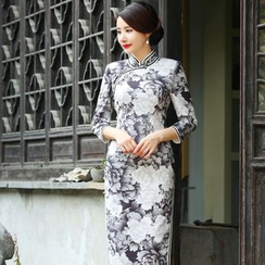 Miss Four Qipao - 七分袖花花旗袍