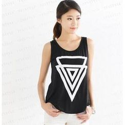 SO Central - Triangle Print Sleeveless Top