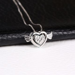 Zundiao - Sterling Silver Flying Heart Pendant