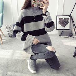 Qimi - Striped Mock Neck Sweater