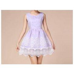 草莓花朵 - 仿珍珠刺绣无袖欧根纱连衣裙