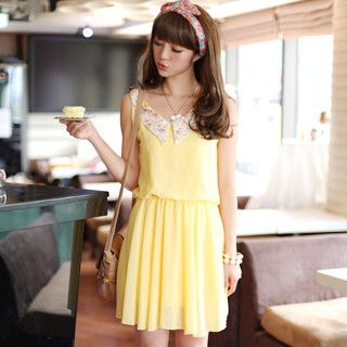59 Seconds - Floral Collar Chiffon Dress
