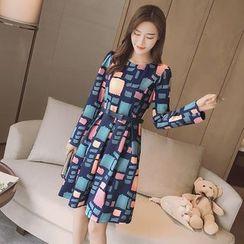 Merald - Long-Sleeve Patterned Pleated Dress