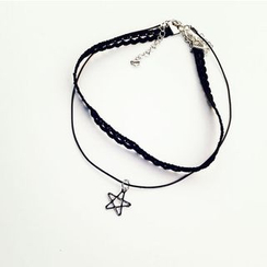 Ticoo - Set: Lace Choker + Star Pendant Necklace