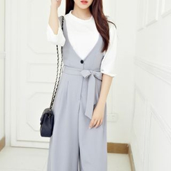 Cobogarden - Sleeveless High-Waist Jumpsuit