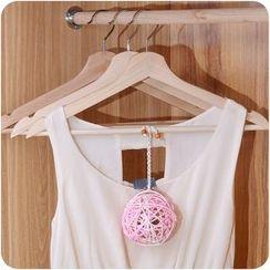 Desu - Ball Shaped Wardrobe Freshener