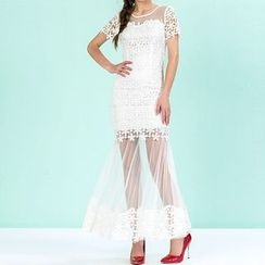 Strawberry Flower - Lace Panel Short-Sleeve Dress