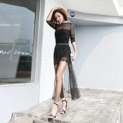 Shine On Me - Set: Lace Shorts + Mesh Skirt