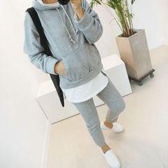 STYLEBYYAM - Set: Hooded Pullover + Asymmetric-Hem Sweatpants