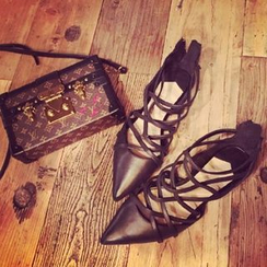 Laceuplux - Strapped Pointy Flats