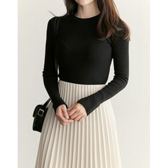 UPTOWNHOLIC - Round-Neck Slit-Side Knit Top