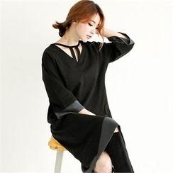 GLAM12 - Color-Block V-Neck Dress