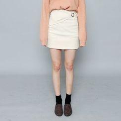 Envy Look - Ring-Detail Mini Skirt