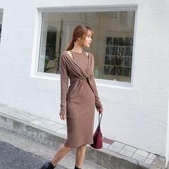 DABAGIRL - Cutout-Shoulder Knot-Front Knit Dress